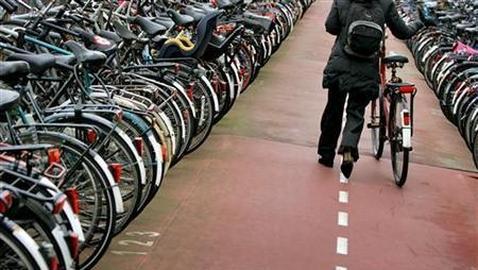 Italia se abraza al movimiento «salva ciclistas»