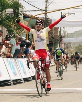 Carlos Urán ganó la segunda etapa de la Vuelta al Valle y Juan Pablo Villegas sigue de líder