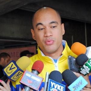 Ministro del Deporte Venezolano, Héctor Rodrígue, felicita a ciclistas venezolanos