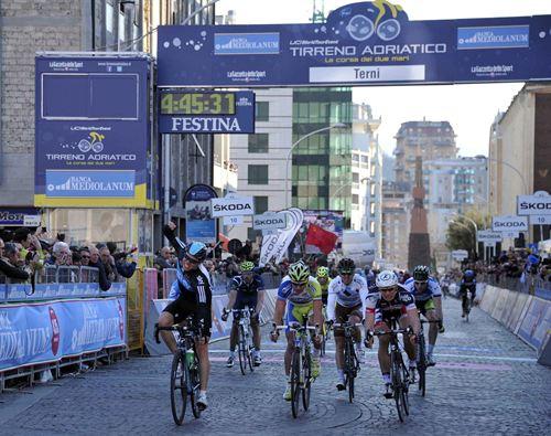 Hagen da una nueva victoria al Sky en la Tirreno-Adriático