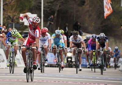 Español 'Purito' Rodriguez se impone en 6ta etapa de la Tirreno-Adriático
