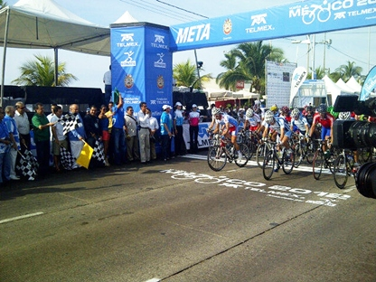 Uruguayo Hector Fabio gana la 1ra Etapa de la Vuelta a Mexico en Acapulco