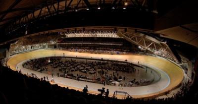 Seleccion Venezolana de ciclismo de Pista ya Practica en el Velodromo Hisense Arena en Australia