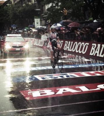 Giro de Italia: Adam Hasen (Lotto) gana en solitario la 7ma Etapa y Beñat Intxausti (Movistar) es el nuevo Lider