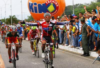 Vuelta a Barinitas: Jesus Perez (Kino  Táchira) gana la ultima Etapa y Jose Alarcon (Gob de Merida) se titula Campeon