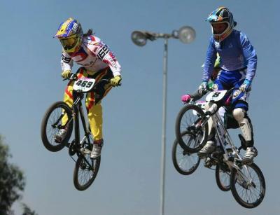 Stefany Hernández inicia el camino que la llevará al Mundial de Bicicross