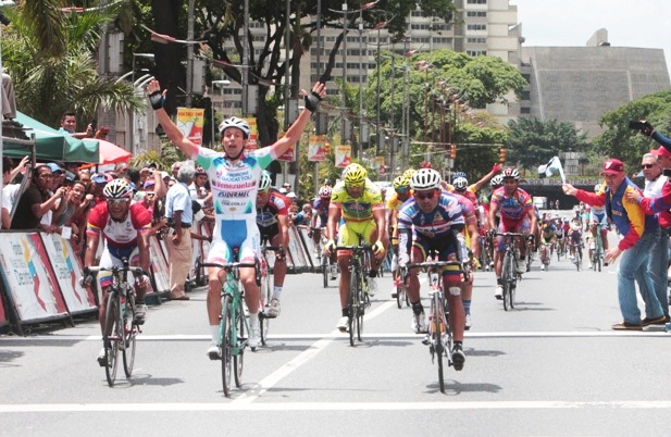 Continua la actividad del Androni Venezuela / Correran en Francia el Tour du Limousin, Chateauroux Classic de l'Indre y el Tour du Poitou Charentes.