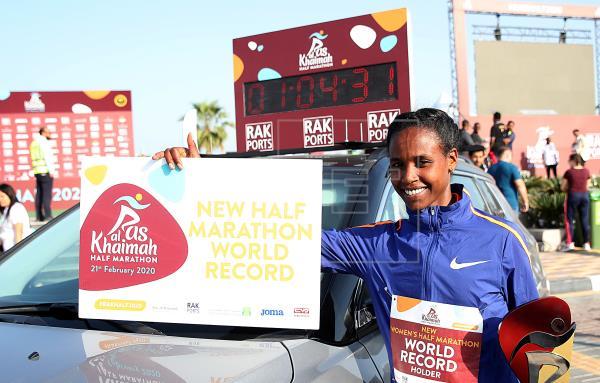 La etíope Ababel Yeshaneh, nuevo récord del mundo de medio maratón