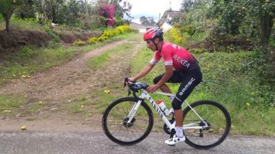 Nairo Quintana regresa antes de tiempo a los entrenamientos tras el accidente