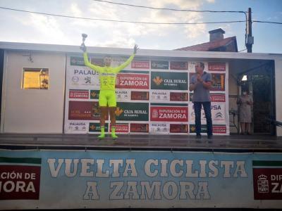 Uruguayo Mauricio Moreira gano la primera etapa de la Vuelta a Zamora