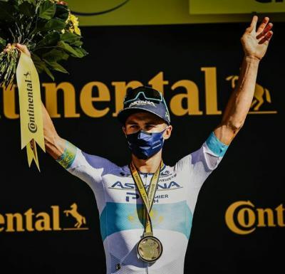 Alexey Lutsenko (Astana) gana en solitario en la 6ta etapa del Tour y Yates sigue Lider
