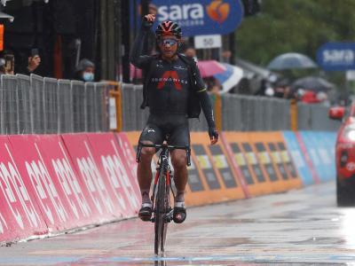 Ecuatoriano Jhonatan Narvaez  gana la etapa 12 del Giro de Italia