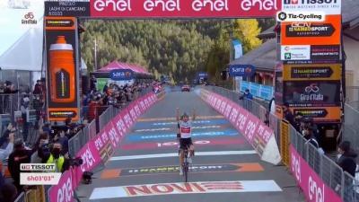 El australiano Jai Hindley (Team Sunweb) ganó la etapa 18 (etapa reina) del Giro de Italia