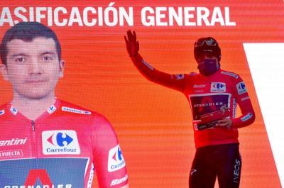 Las claves del primer tercio de la Vuelta que dejan a Carapaz de líder