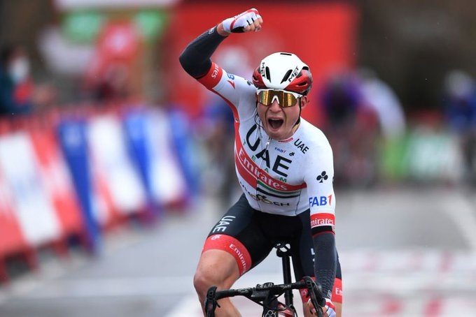 Belga Jasper Philipsen, ganó al Sprint la etapa 15 de la Vuelta a España y Roglic sigue lider