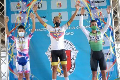 Carlos Galvis, Jeison Rujano y María Daza Campeones Nacionales Contrarreloj Individual