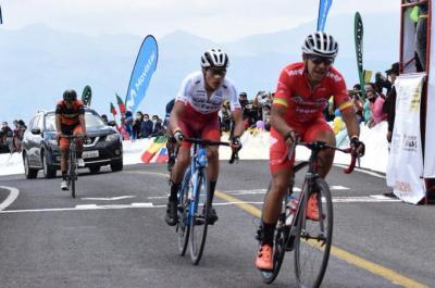 Joel Burbano (Sin Fronteras) ganó la 4ta etapa de la Vuelta Ciclistica a Ecuador