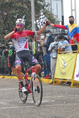 El Androni abrió y cerró la Vuelta al Tachira/ El Suizo Simon Pellaud gano la última etapa  y Roniel Campos se titulo Campeón