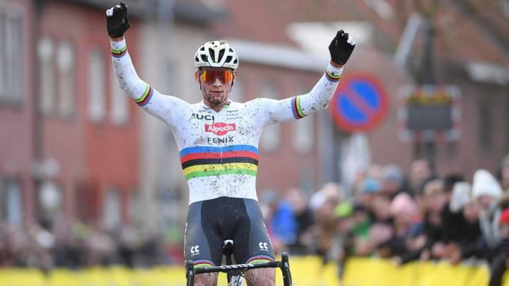 Mathieu Van der Poel gana el Mundial de ciclocross en Ostende