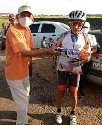 """José """"Cheo"""" Arreaza de Distribuidora """" La Japonesa"""" ganó Clásico Ciclistico 80 Aniversario de AD"""