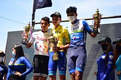 Yeison Peña gano la última etapa de la Vuelta de la Juventud y Sebastián Galvis se titulo Campeón